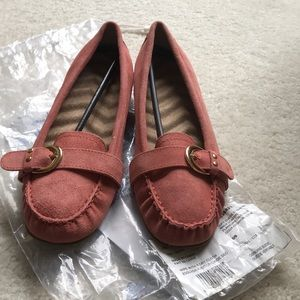 NIB Soft suede cushioned loafer in beautiful coral